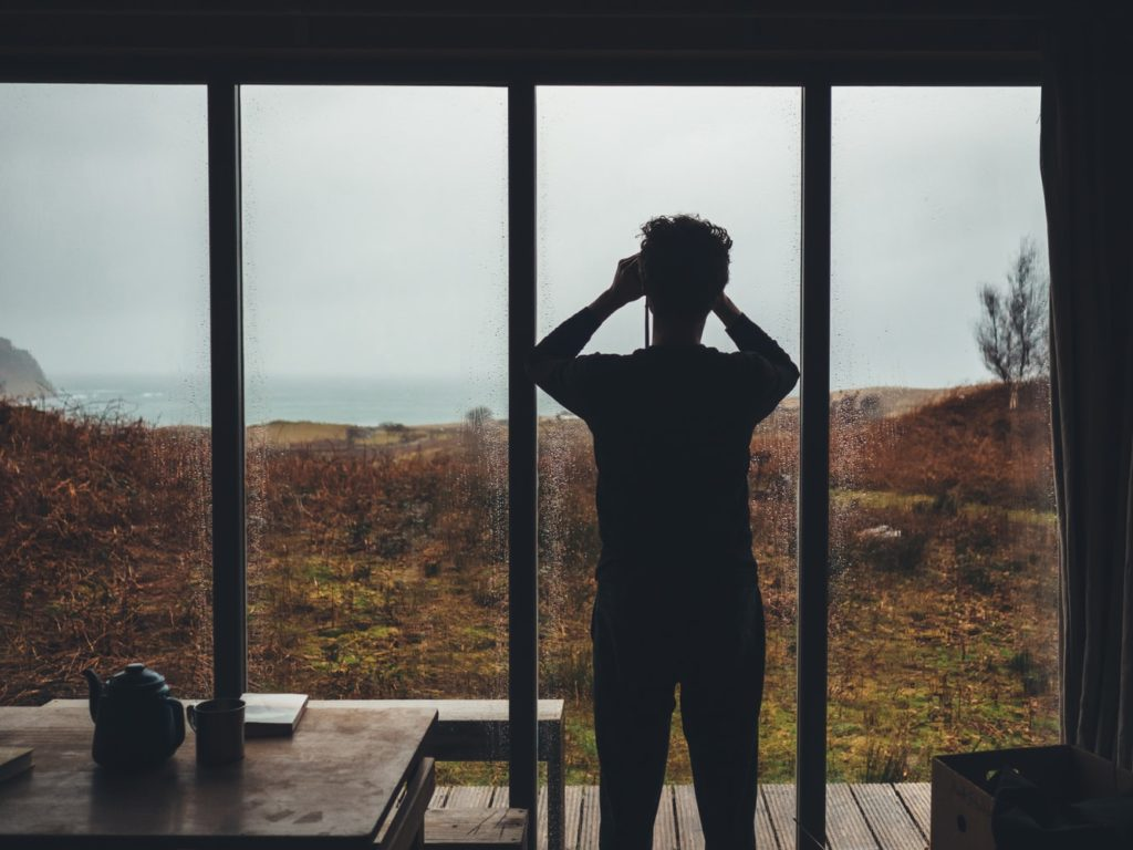 Andrew ridley - unsplash image of a man searching